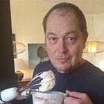 Marcel Maassen bakt Käsekuchen