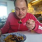 Marcel Maassen geniet van de bloedworst met foie gras lievelingsgerecht René Brienen